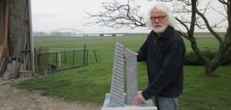 Sculptuur 'Croissance et Mouvement' van Jan Kettelerij naar Keukenhof